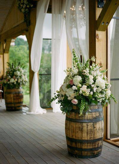 rustic-sttle-barrels-national-event-hire